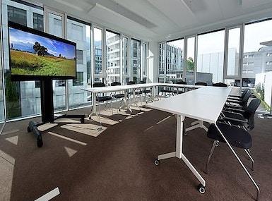 Business-Center image 4