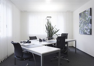 Business-Center image 2