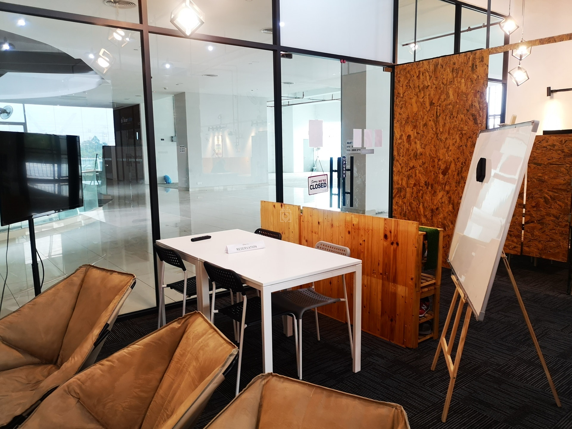 Thinker Table, Bandar Baru Bangi - Book Online - Coworker