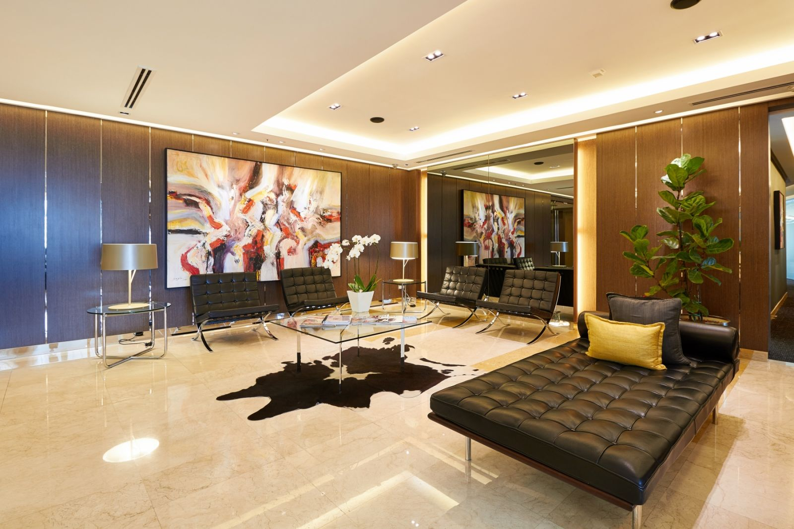 CEO Suite KL - Maxis Tower, Kuala Lumpur