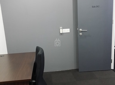 Private Office 1- 5 Pax (Window/Non-Window) - Plaza Damas image 5