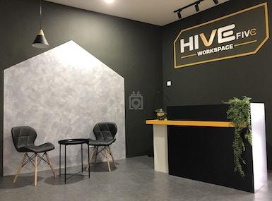 Hive Five image 3