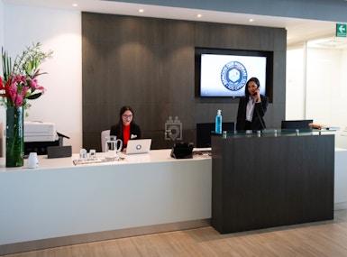 IOS OFFICES PORSCHE image 3