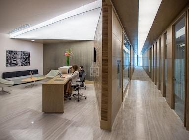 IOS OFFICES VIRREYES image 5
