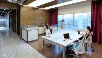 TORRE IOS OFFICES image 1
