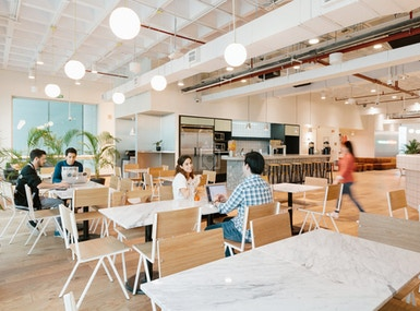 WeWork Arcos Bosques image 4
