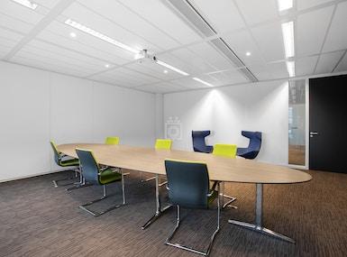 The Office Operators - WTC Almere image 4