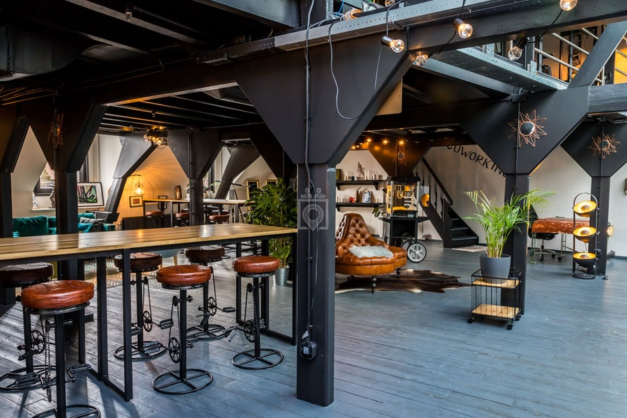 rent24 Magna Plaza, Amsterdam