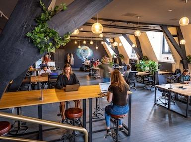 rent24 Magna Plaza image 5