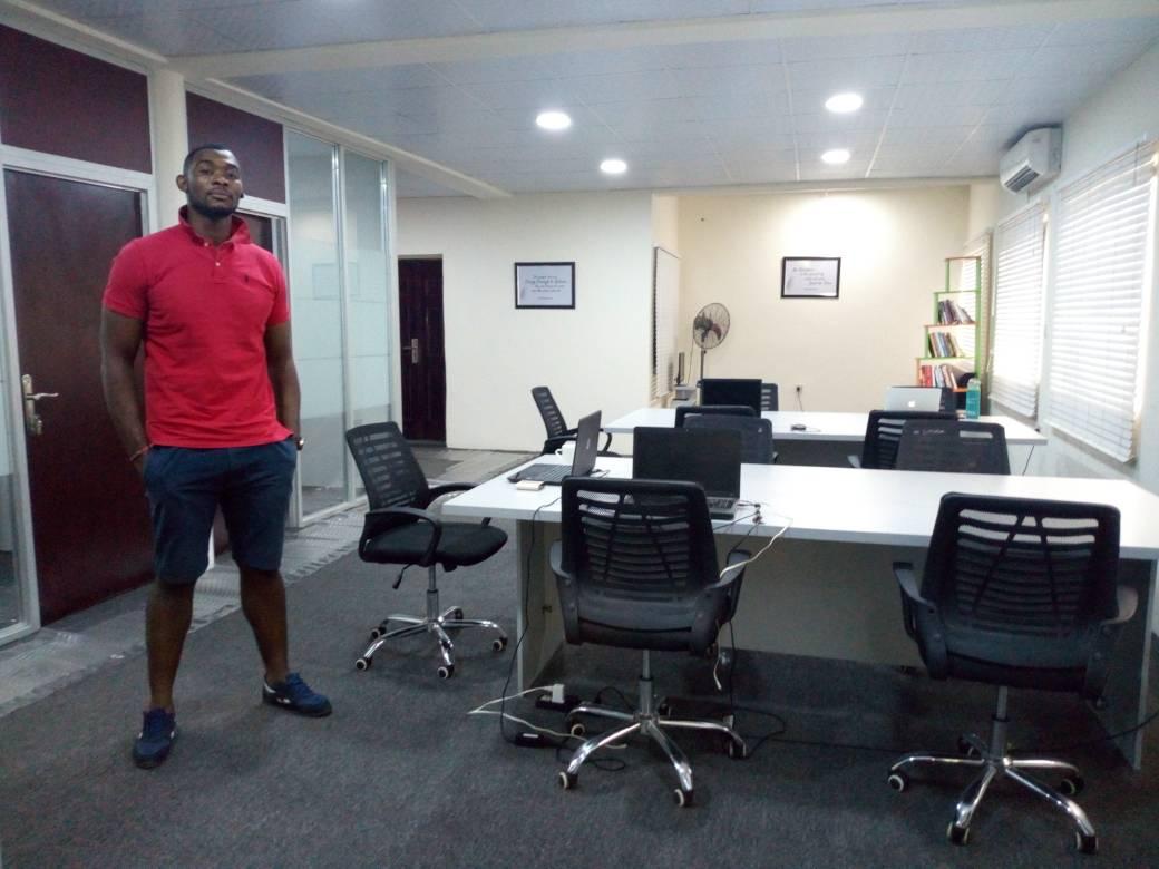 eespace, Lagos