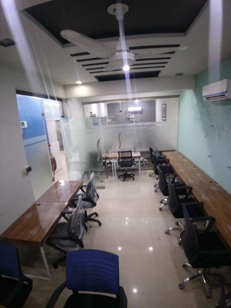 KURSI MAIZ CO WORK, Lahore