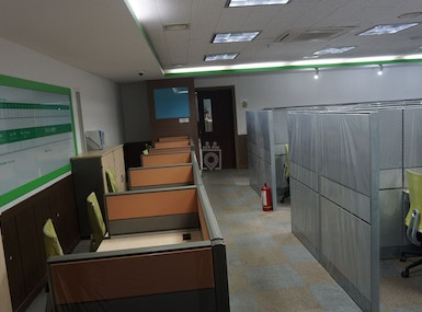 SHARED OFFICE SPACE FOR LEASE image 4