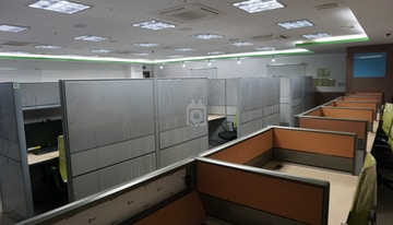 SHARED OFFICE SPACE FOR LEASE image 1