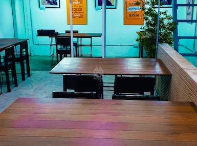 Space Bar Work Lounge image 5