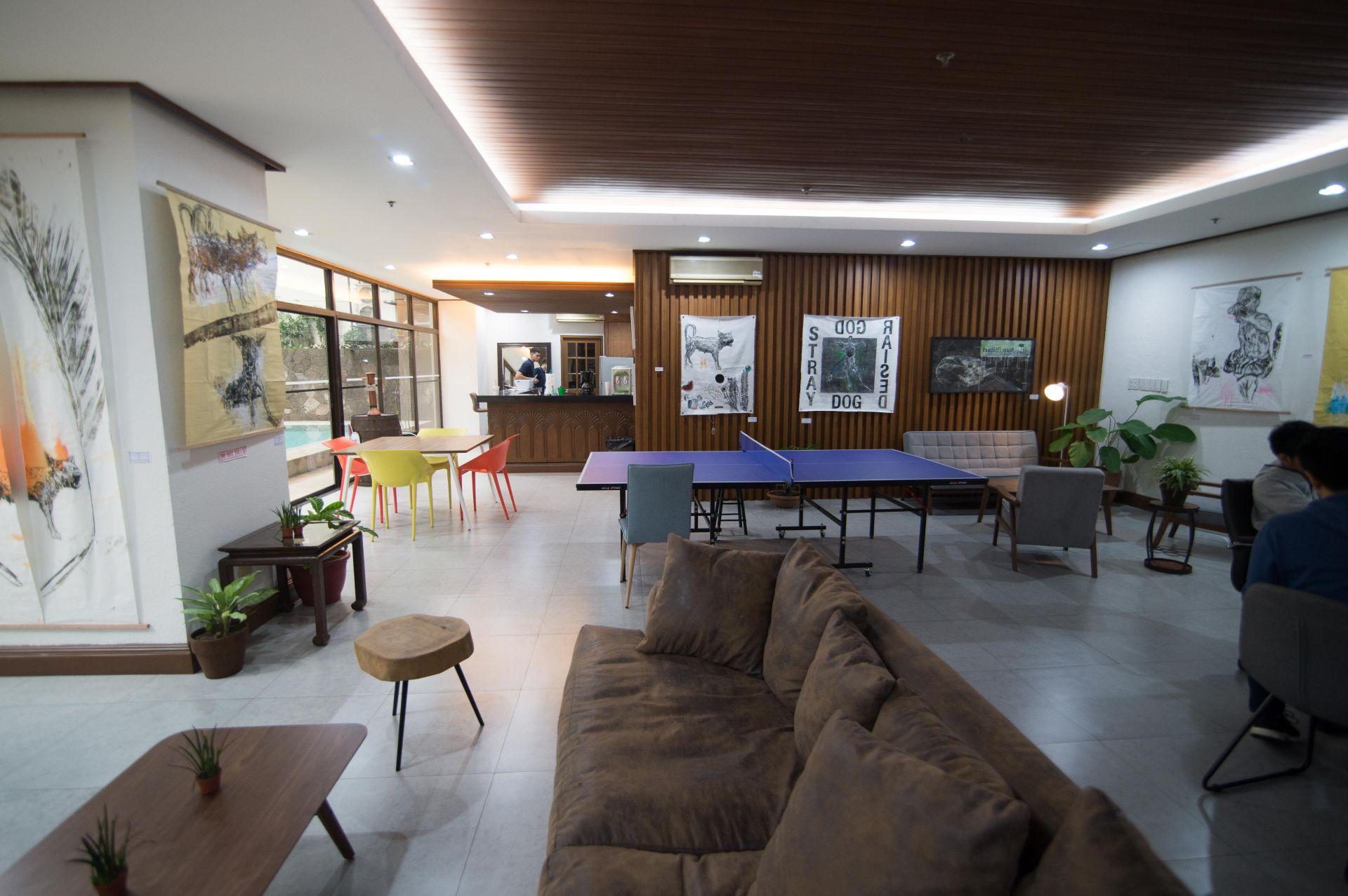 Crown Spaces, Makati