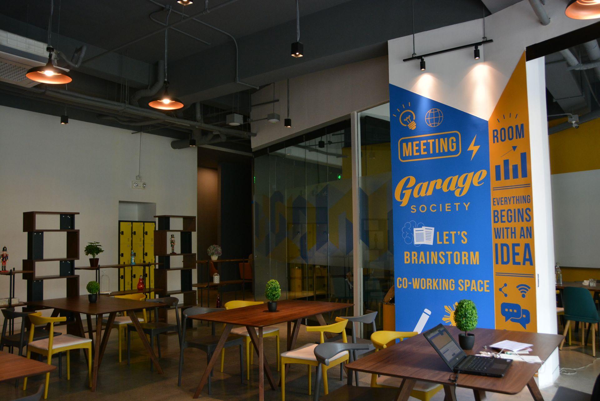 Garage Society Makati, Makati