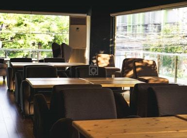 Blueturtle Premium Lounge image 4