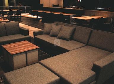 Blueturtle Premium Lounge image 3
