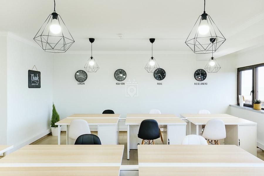 Dream Office, Almada