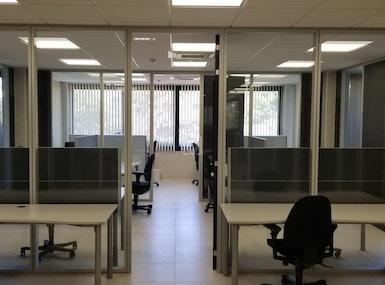 Vela Offices image 5