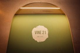 Vine 21, Bucharest