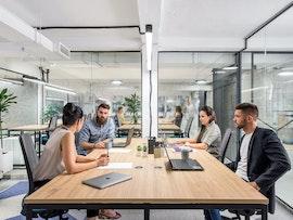 Desk&more: kod Vuka, Belgrade