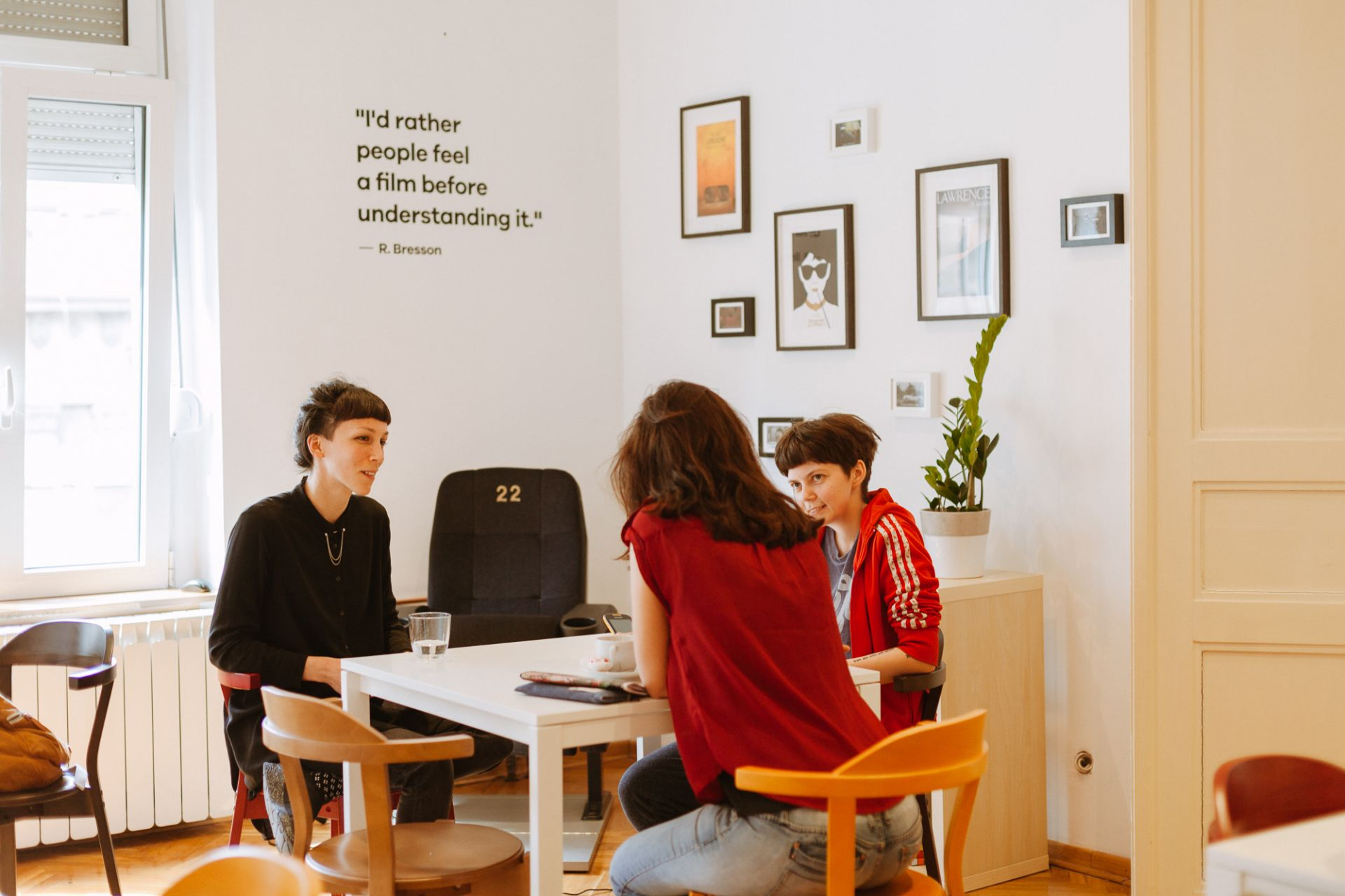 Papergirl Galerija Hub, Belgrade