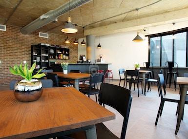 The Business Exchange Rosebank – 195 Jan Smuts Ave image 5