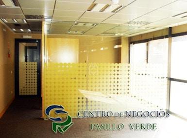 Centro Negocios Pasillo Verde image 3