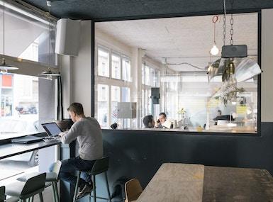 Voisins - Coworking | Café image 5