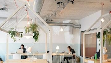 Voisins - Coworking | Café image 1