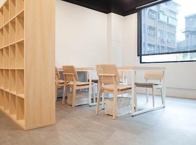 Maven Coworking Cafe image 5
