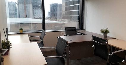 Linuxx Serviced Office - Emporium Tower, Phrom Pong Branch, Bangkok   coworkspace.com