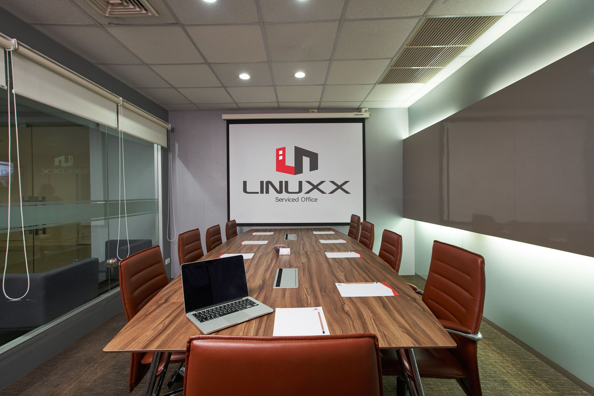 Linuxx Serviced Office - President Tower, Chit Lom Branch, Bangkok