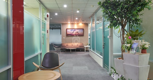 Linuxx Serviced Office - President Tower, Chit Lom Branch, Bangkok | coworkspace.com