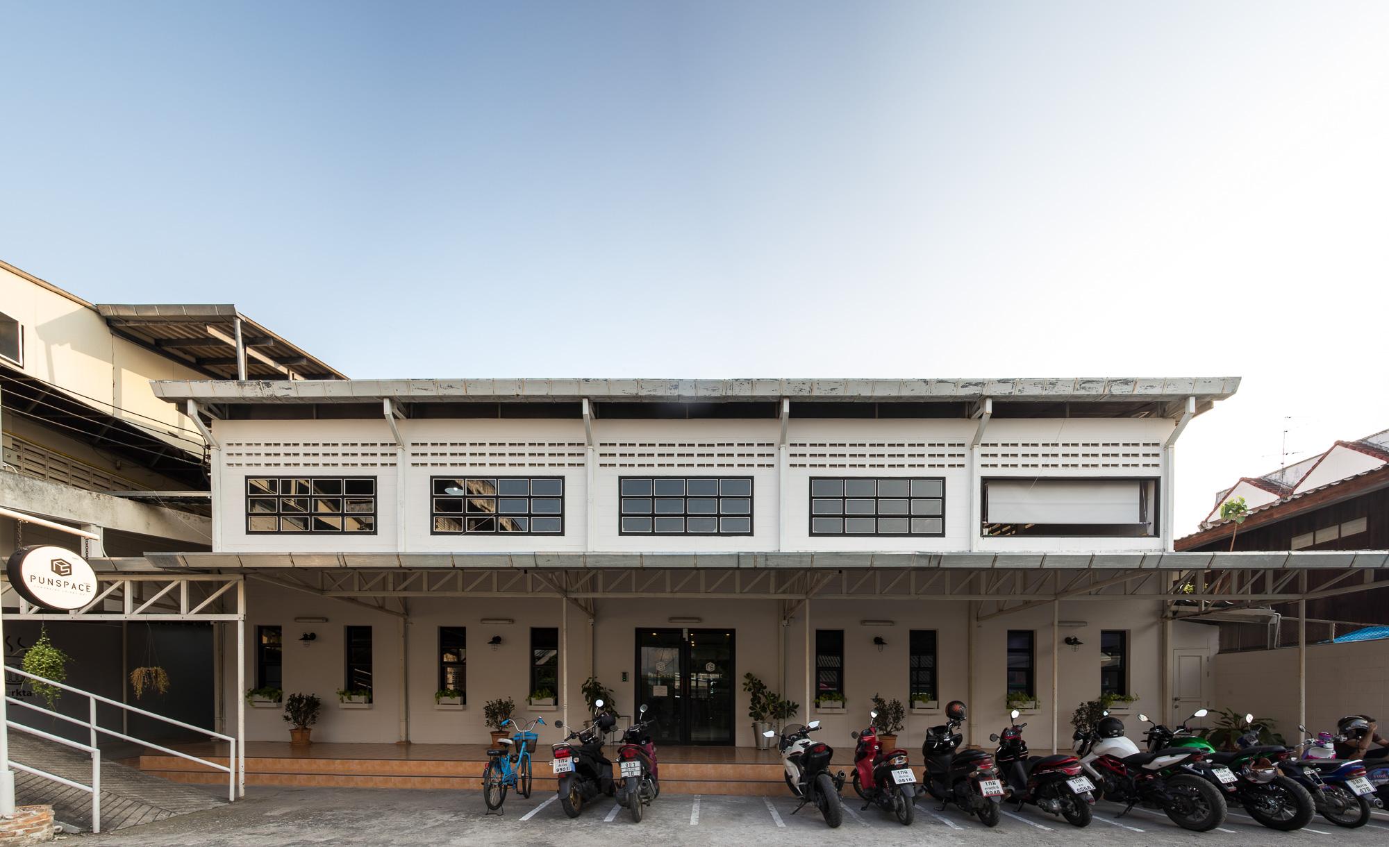 Punspace (Tha Phae Gate), Chiang Mai
