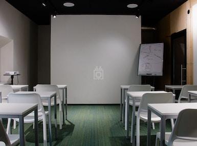 Business Hub image 4