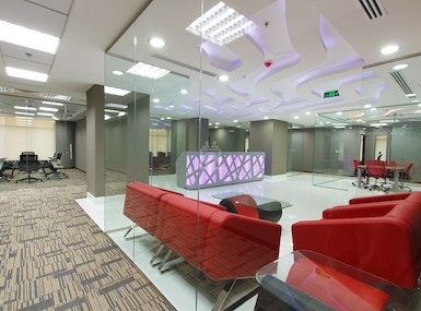 A Professional Space in the Business Hub of Dubai image 3