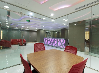 A Professional Space in the Business Hub of Dubai image 5
