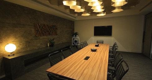Media One Hotel- Business Centre, Dubai   coworkspace.com