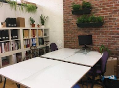 Urban Desk Space image 5