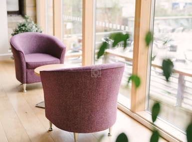 Business Lounge image 5