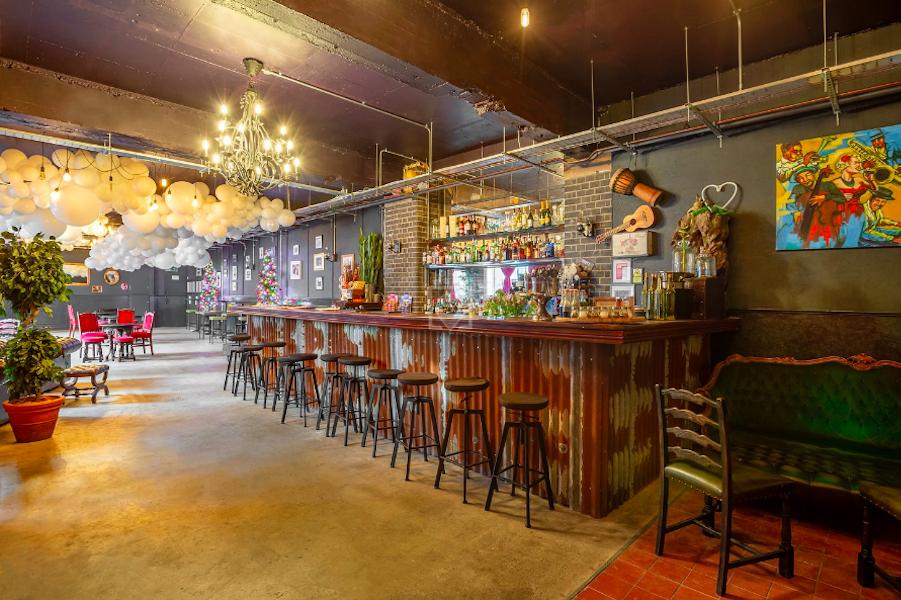 U7 Lounge, London