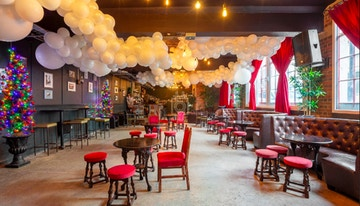 U7 Lounge image 1