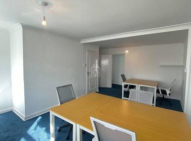 DeskHop Newquay image 4