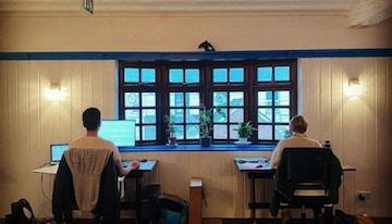 DeskHop Newquay image 1