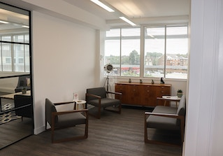 Coworking space in the heart of Richmond image 2