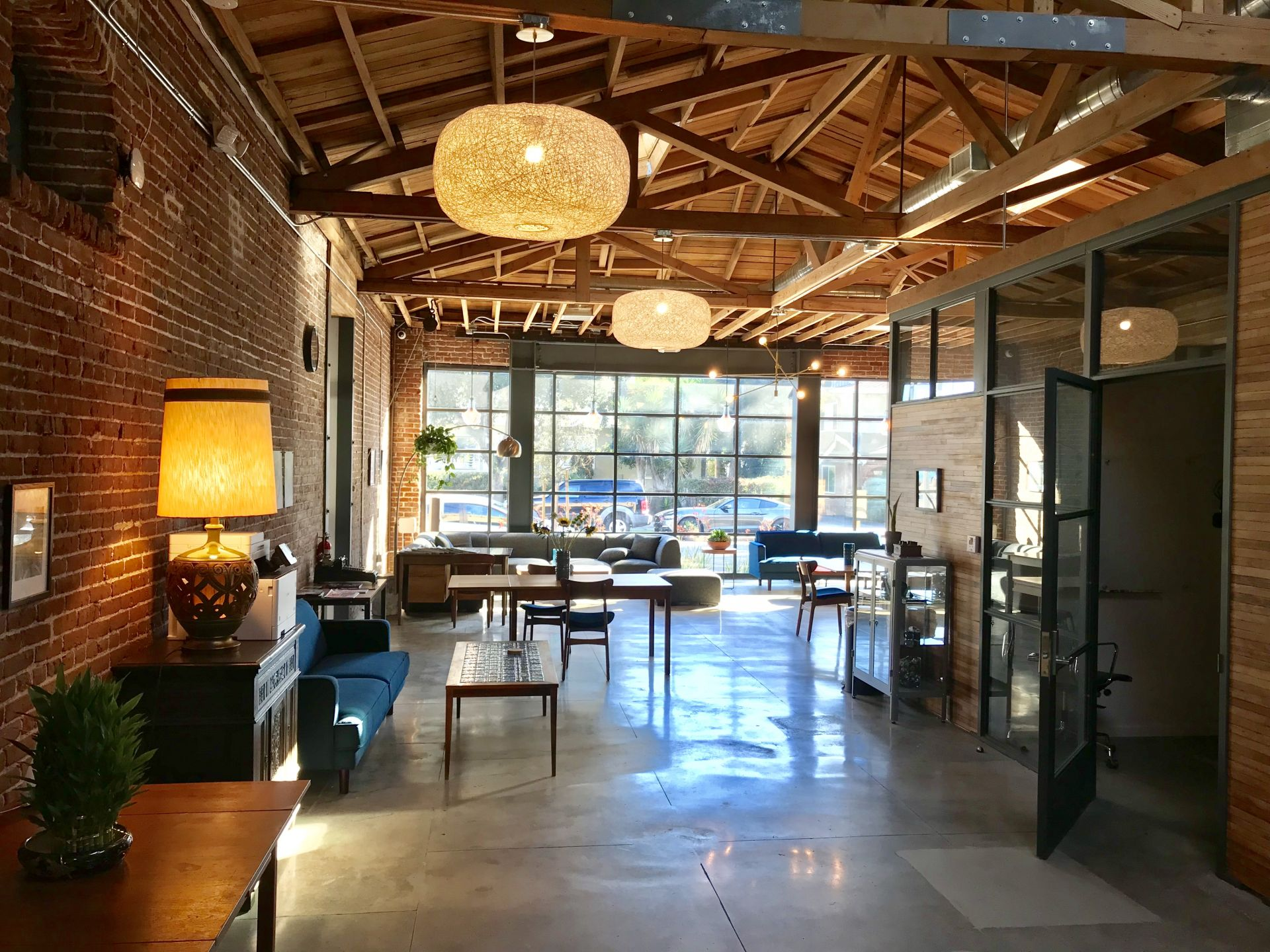 Iona Work Spaces, Alhambra
