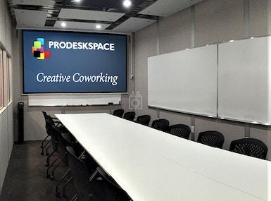 Pro Desk Space image 3