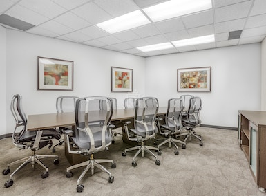 Regus - California, Oxnard - TOPA Financial Plaza image 4